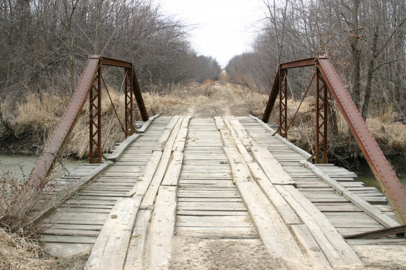 Steel Bridge, Abandoned Road